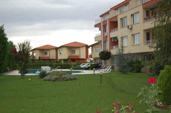 Ap-t ROSALITSA near the beach in a best city area! - Varna - Apartamento