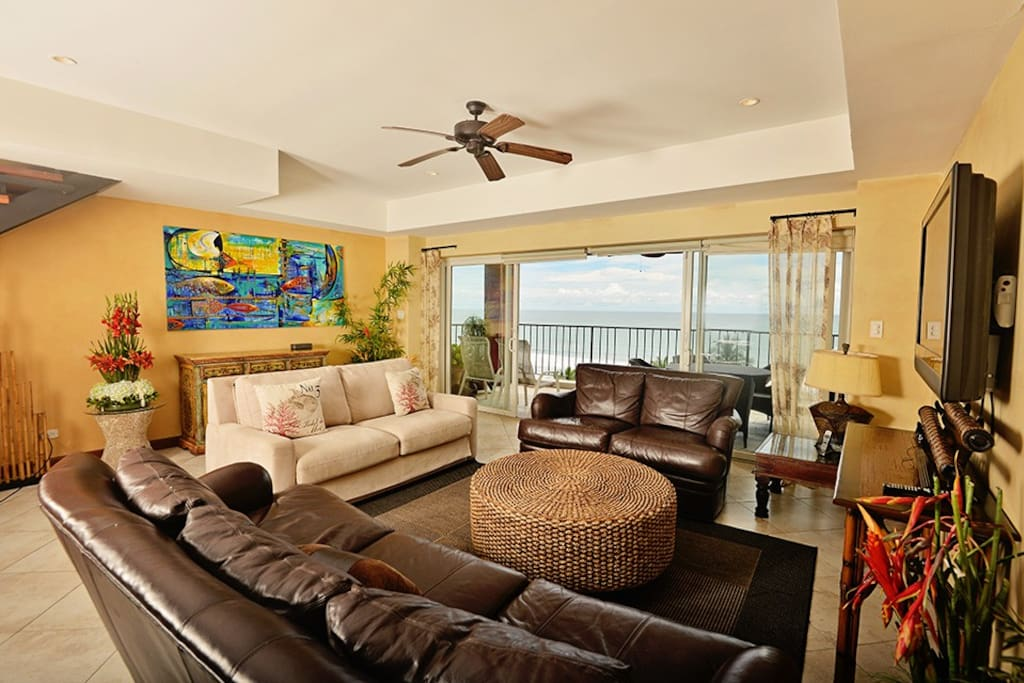 Living room with amazing view.