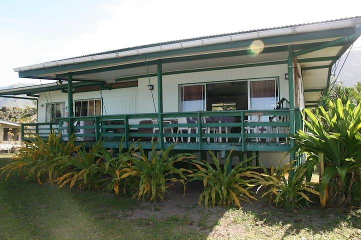 Chambre dans maison bord de mer - Papara