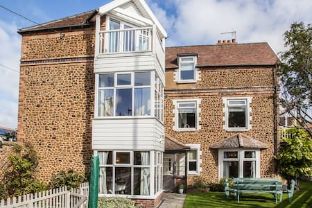 Large 5 bedroom house in Hunstanton - Casa