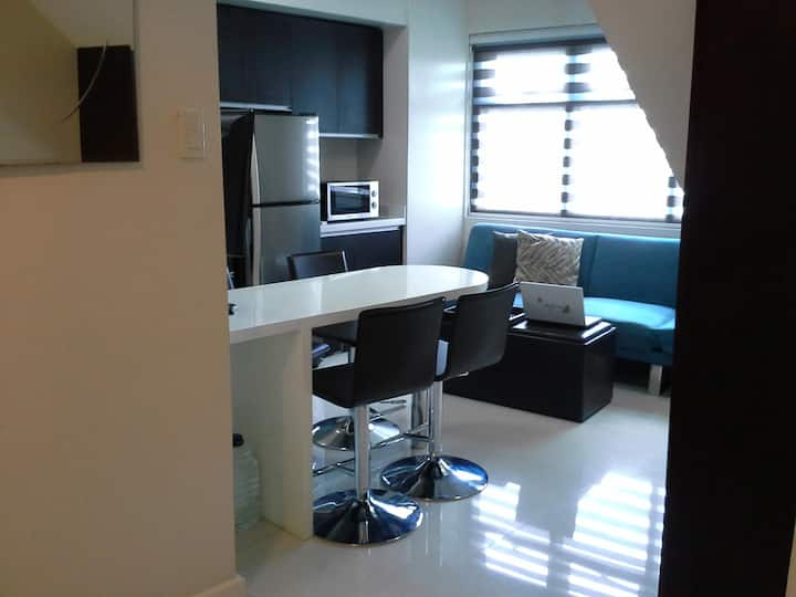 Large Fully Equipped Makati Loft