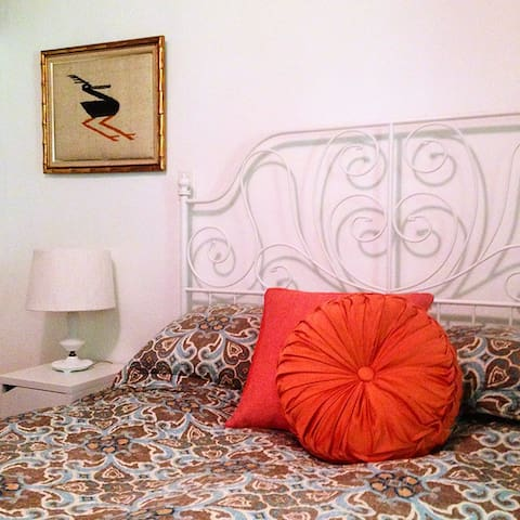 BOHEMIAN RHAPSODY in town apartment - Woodstock - Apartamento