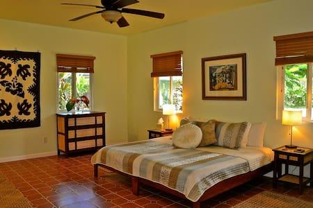 AlohaHola Garden Guesthouse 1 - Ház