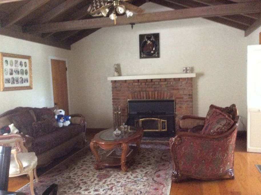 Private Master Bedroom In A Cabin Style House Cabins For Rent In Carmichael California