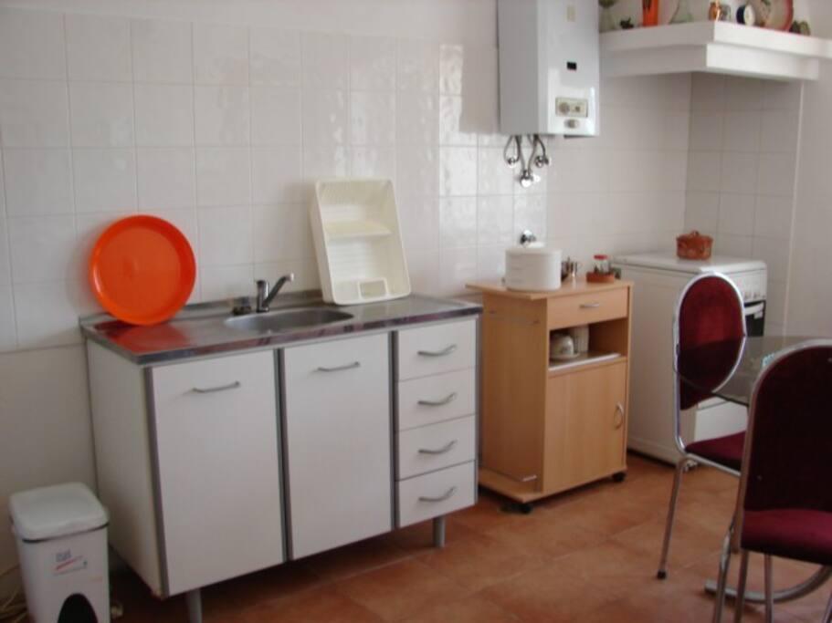 Sala/kitchenette