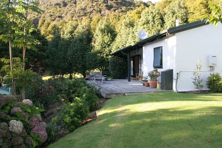 Cottage surrounded by nature - Kaeo
