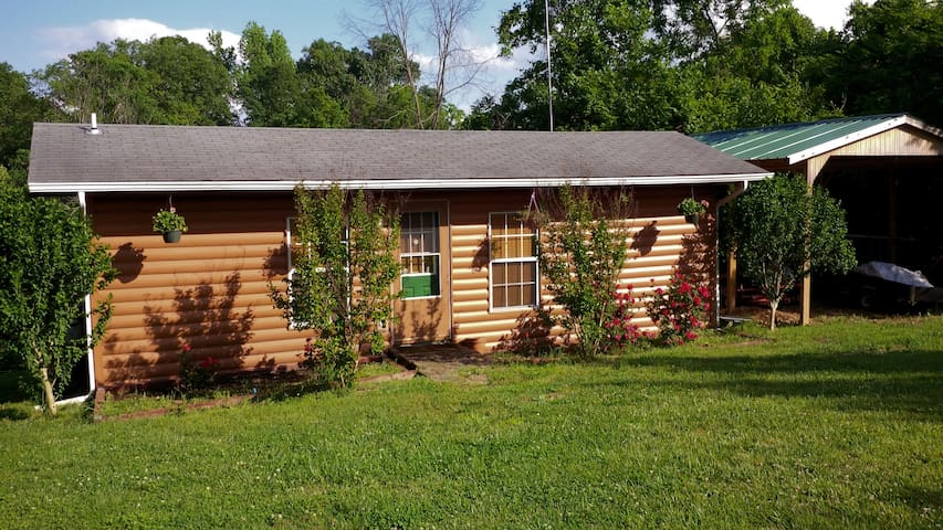 Hwy 123 Cabin Rental