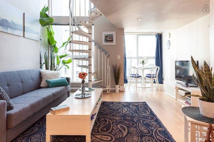 $135/nt (May 7 - 9)  Stay YALETOWN with Views! - Vancouver - Apartment
