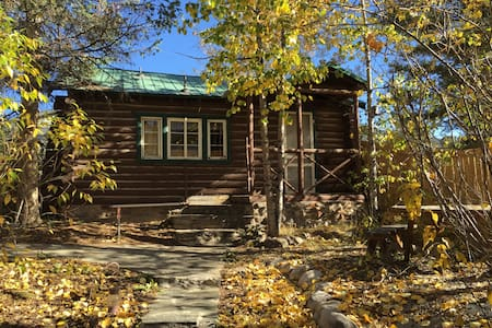 Cabin #3 In the heart of Grand Lake