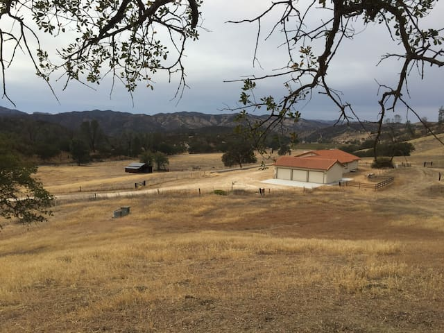 Pinnacles Ranch: 2 Bed/1 Bath House - Paicines