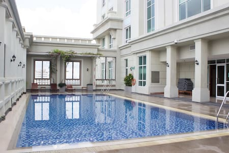 An Oasis in Saigon + FREE Rooftop Swimming Pool - Ho Chi Minh City - Apartment