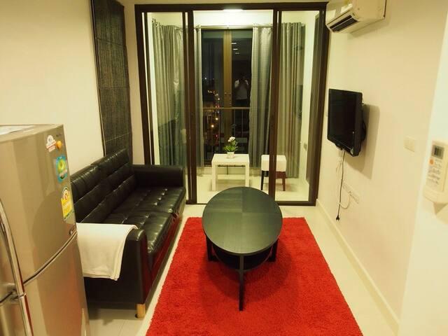 1BR Apartment 30m from BTS Wong Wien Yai