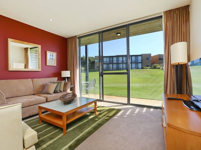 Seastays Apartment 53 Moonah Links. - Fingal - Huoneisto