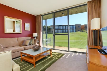 Seastays Apartment 53 Moonah Links. - Fingal - Leilighet