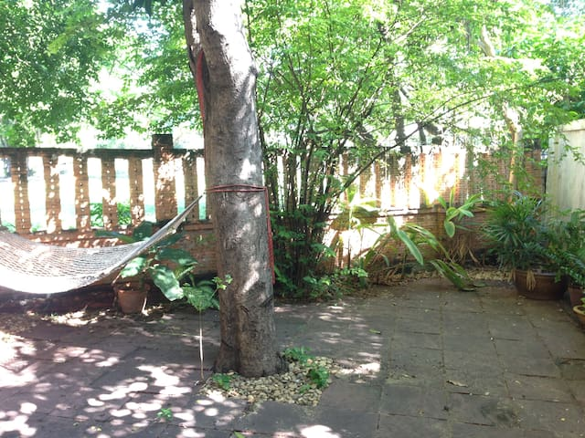 Designer's House, Tropical Garden - Bangkok - House