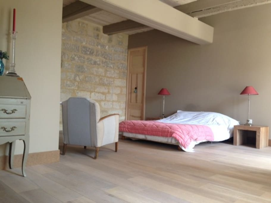 chambre de charme maison du xveme bed and breakfasts for rent in villeneuve l s avignon. Black Bedroom Furniture Sets. Home Design Ideas