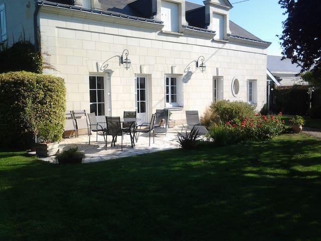 Maison Angevine en bord de Loire. - Varennes-sur-Loire - Ev