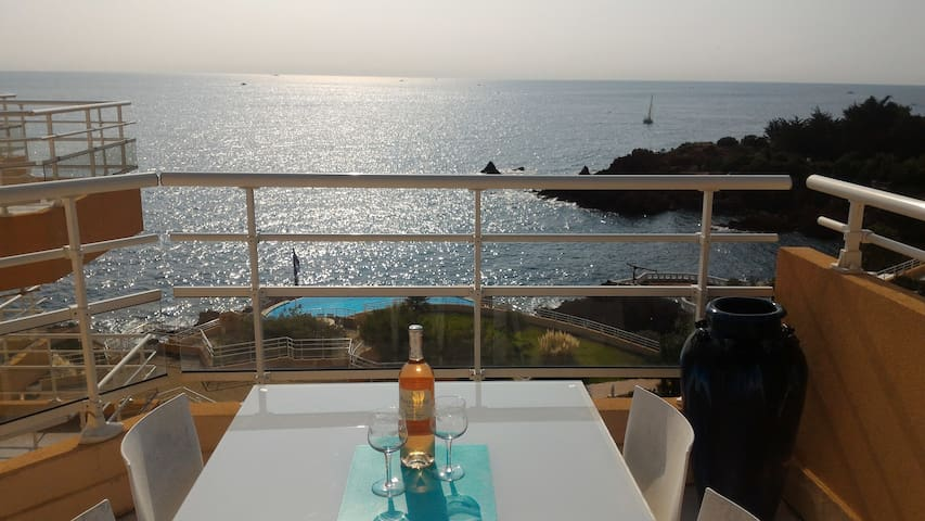 STUDIO ROOF TERRACE SEA VIEW - サン·ラファエル