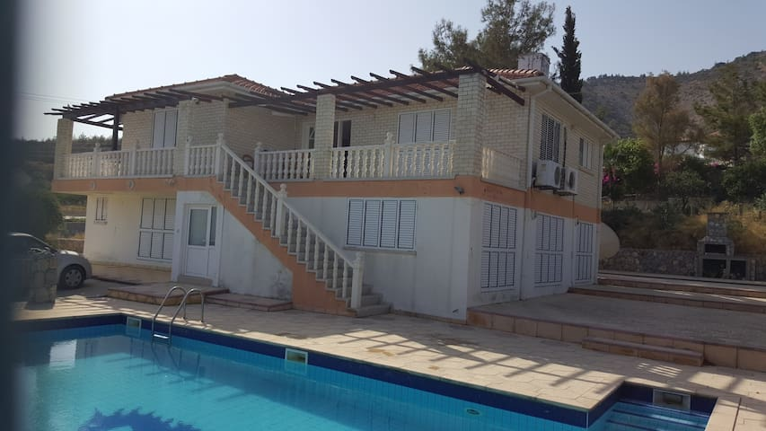 3 Bedroom Detached Modern Villa - Çatalköy - Villa