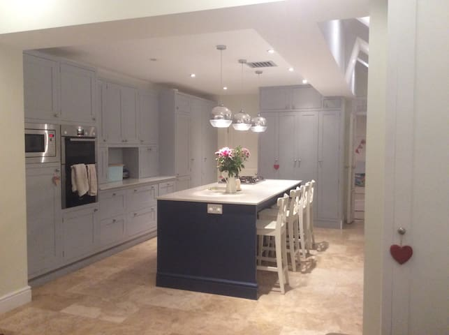 4-bed London family home - Londres - Casa
