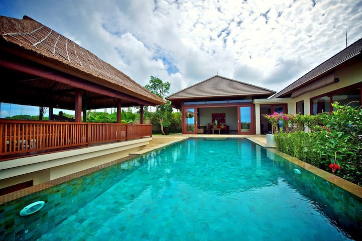 PRIVATE LUXURY ROOM - OCEAN, SUN, WAVES & SURF... - Kuta Selatan - Villa