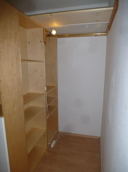 m bliertes apartment f r 1 4 person wohnungen zur miete in aachen nordrhein westfalen. Black Bedroom Furniture Sets. Home Design Ideas