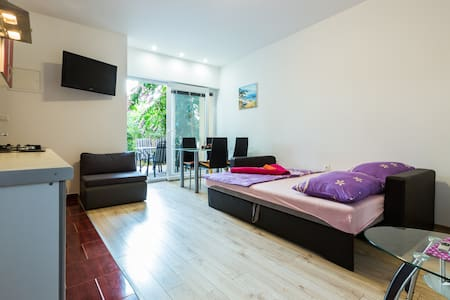Modern and cozy studio apt. with a parking space - 扎达尔 - 公寓