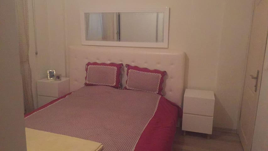 2 Private bedrooms and 1 livingroom - Estambul