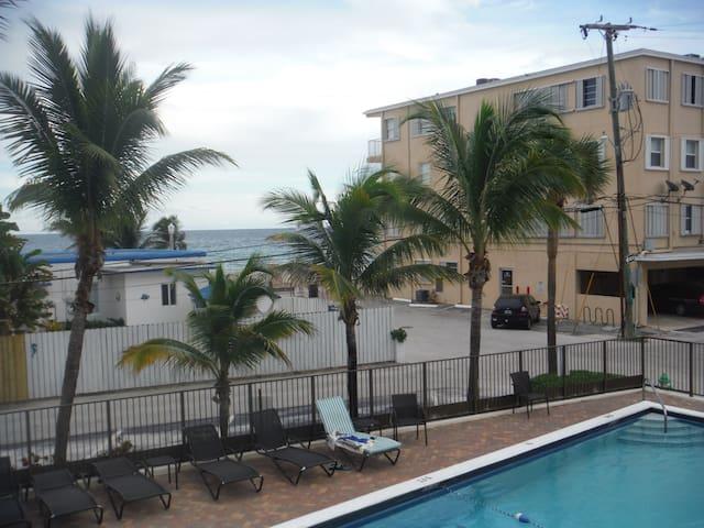 2 HOLLYWOOD STUDIO FREE POLL  PARKING HBO WIFI - Hollywood - Apartamento