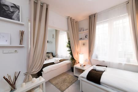 Clean and fresh, beautifully decorated modern apartment in the Taksim area. 24 hour check in and WiFi available.