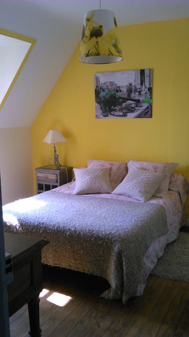 B b la maison du neuilly le conquet bed breakfasts for Chambre bleue horizon