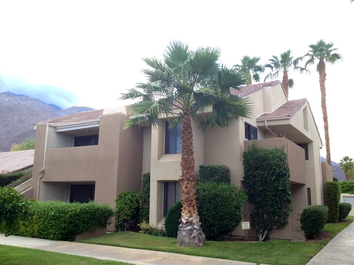 Your Downtown Oasis in Palm Springs!
