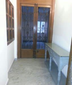 2 BHK GREAT LUXURY BALLYGUNGE APT ! - Calcutta - Appartement