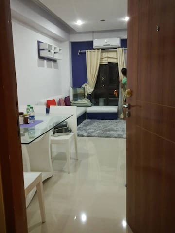 AFFORDABLE Fully Furnished Condo Unit near NAIA 3