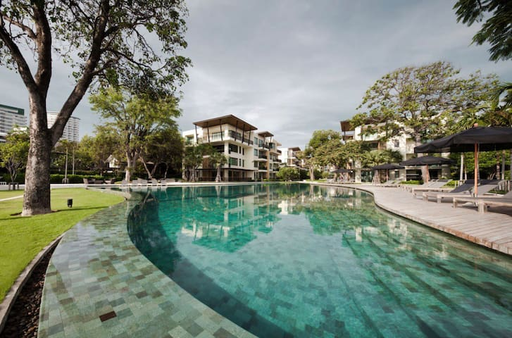 Hua Hin Luxury Condo Living On White Sand Beach