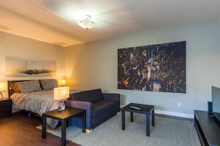 Ground Floor Condo 5 Mins from Downtown w/ Pool!!! - Nashville
