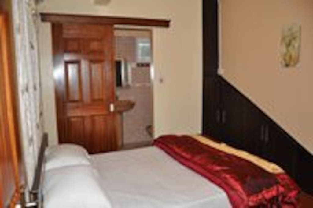 Double ensuited room