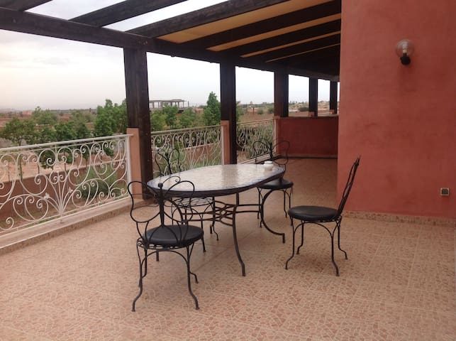 Appartement avec grande terrasse - Marrakesh - Leilighet
