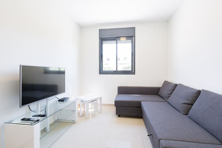 2 bdrm apt awaits you in Modiin,