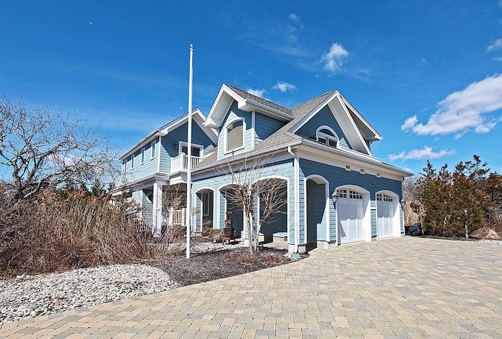 2021 Fabolous Shore Home with Private Beach Access