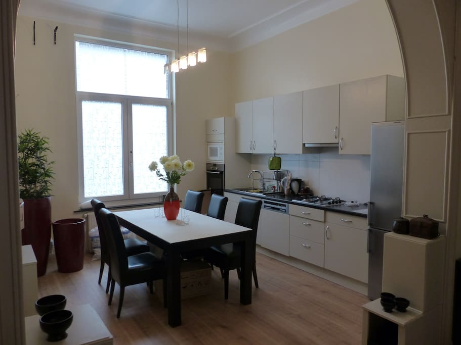 Dining room + fully equipped kitchen
