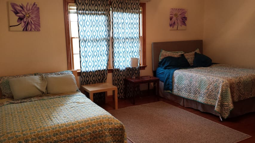 Secluded Two Beds for Animal Lovers - Spotsylvania - House