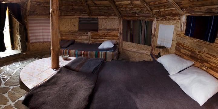 Yablanitsa Balkan Huts -- 3 Guests
