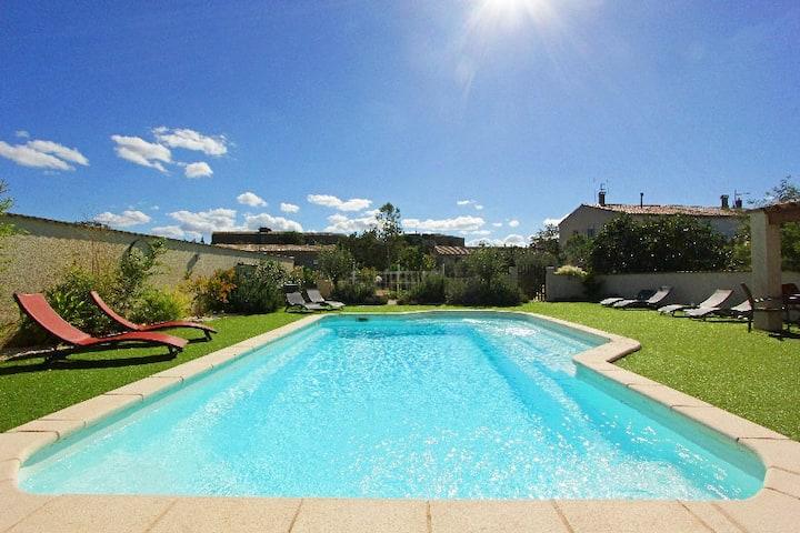 Grande maison vigneronne, piscine chauffée