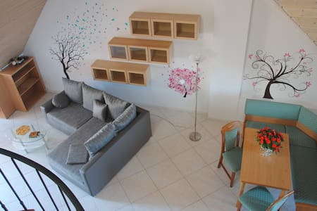 Flat with gallery near airport/fair - Filderstadt