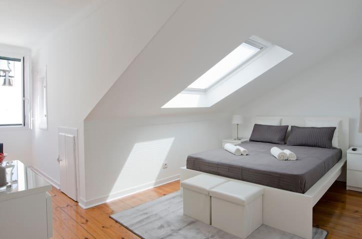 Fabulous Room Chiado | Bairro Alto - Lisboa - Apartment