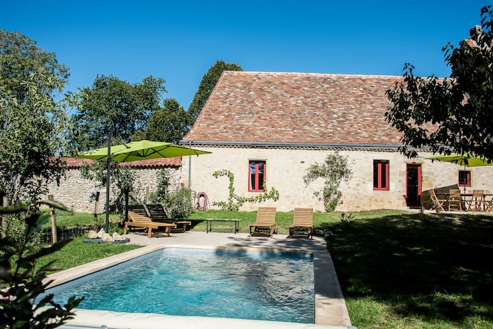 Cottage Dordogne with private pool - Pontours - Casa nella roccia