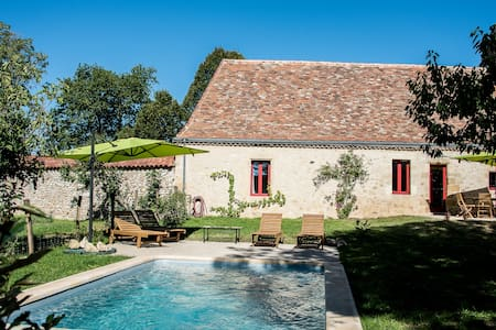 Charming stone Gite with pool - Pontours - Arazi Evi