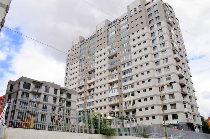 Comfortable flat near Kempinsky