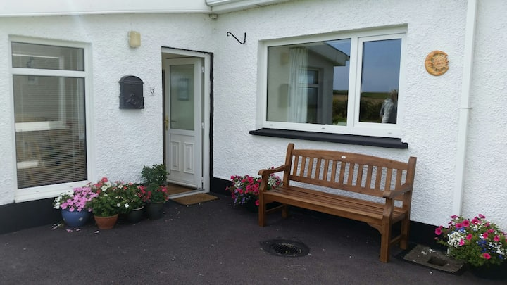 Charming Cottage at Old Head of Kinsale